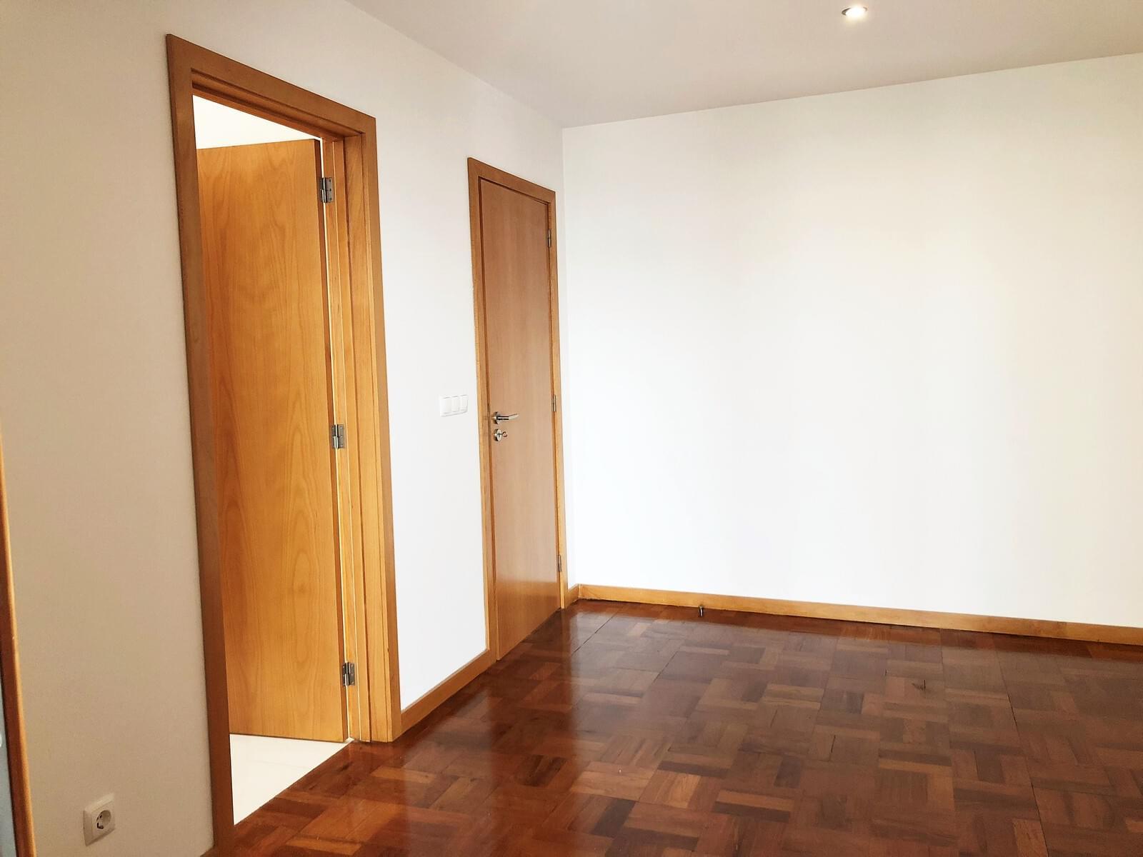 pf18040-apartamento-t3-lisboa-6c3a4ede-5a7f-4cd3-8faf-29d3913f5f44