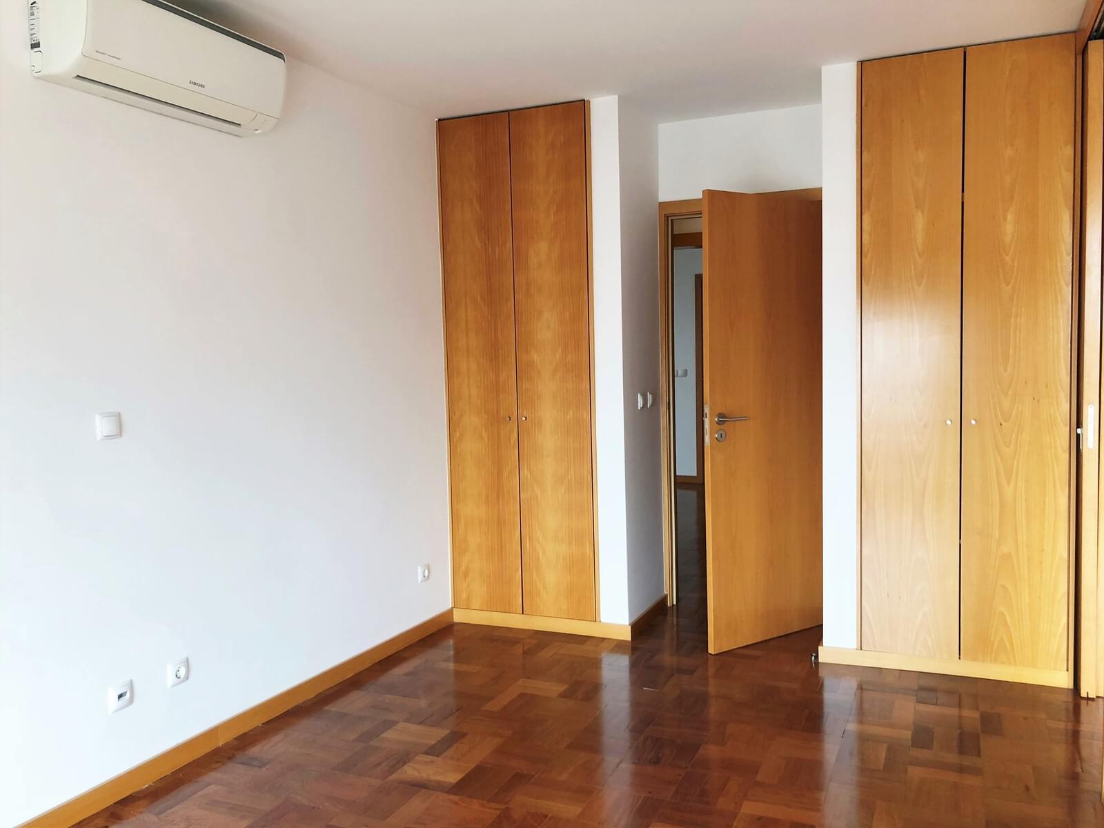 pf18040-apartamento-t3-lisboa-f41f2443-328d-4c8e-8ee9-29d6347cbf9f