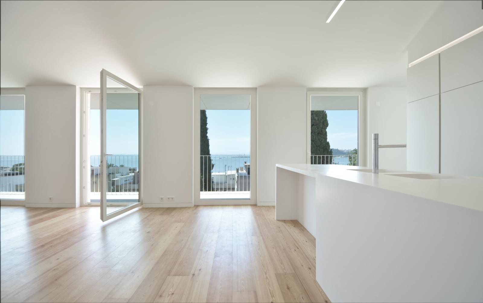 pf18051-apartamento-t4-lisboa-01eadd62-ce74-4cde-b05a-280710ff6894