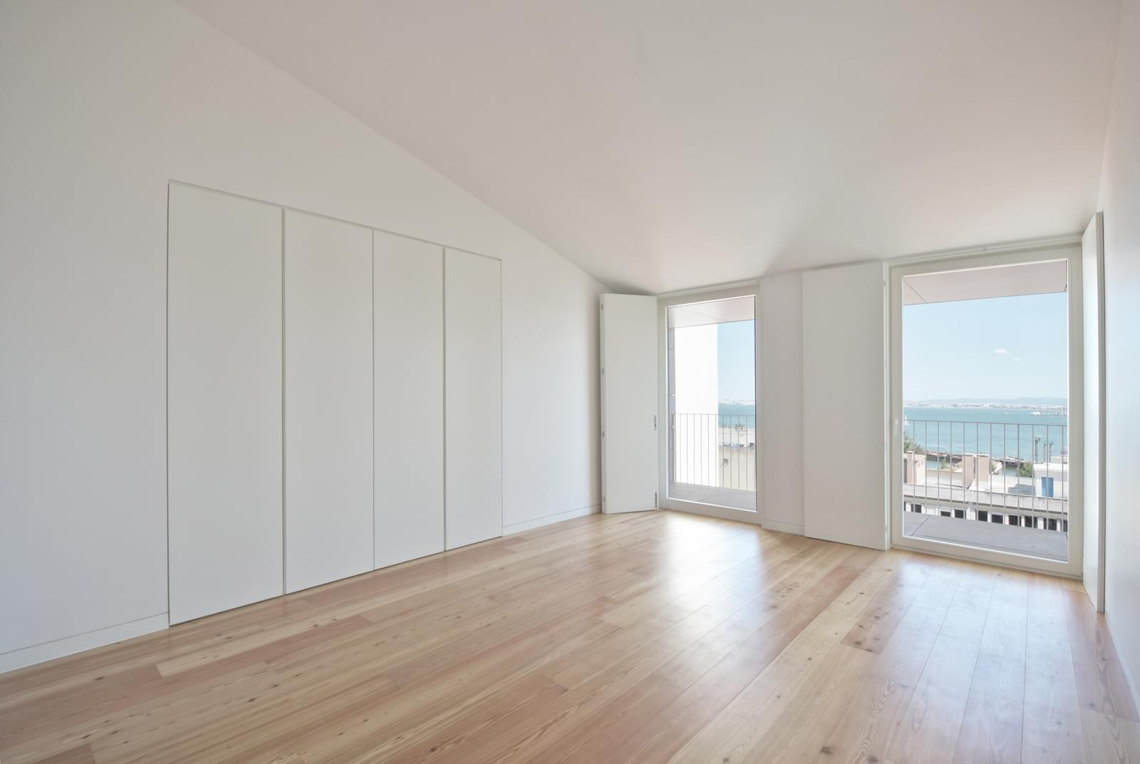 pf18051-apartamento-t4-lisboa-211509cb-c6f9-4c6c-b322-6c6f43021830