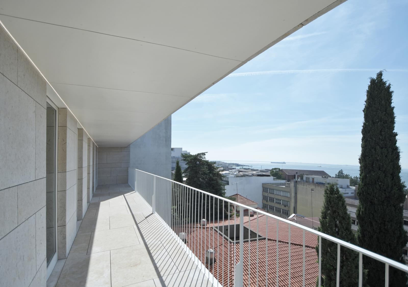 pf18051-apartamento-t4-lisboa-7e4ca4b8-794e-4ea6-b46d-a0339a1a1e98