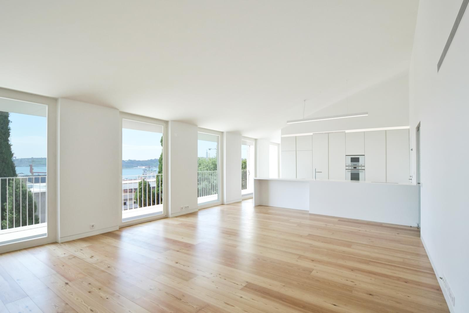 pf18051-apartamento-t4-lisboa-e67dd802-503b-422c-b983-1339c89c70c0