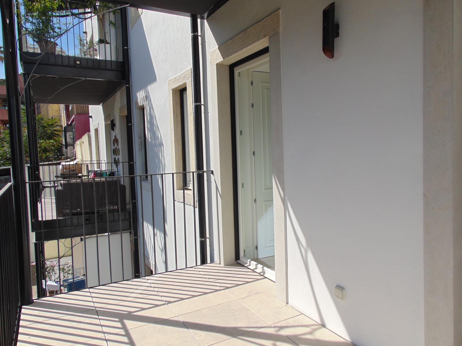 pf18152-apartamento-t2-lisboa-6bad2e77-f71f-4171-b667-b167b1afc519