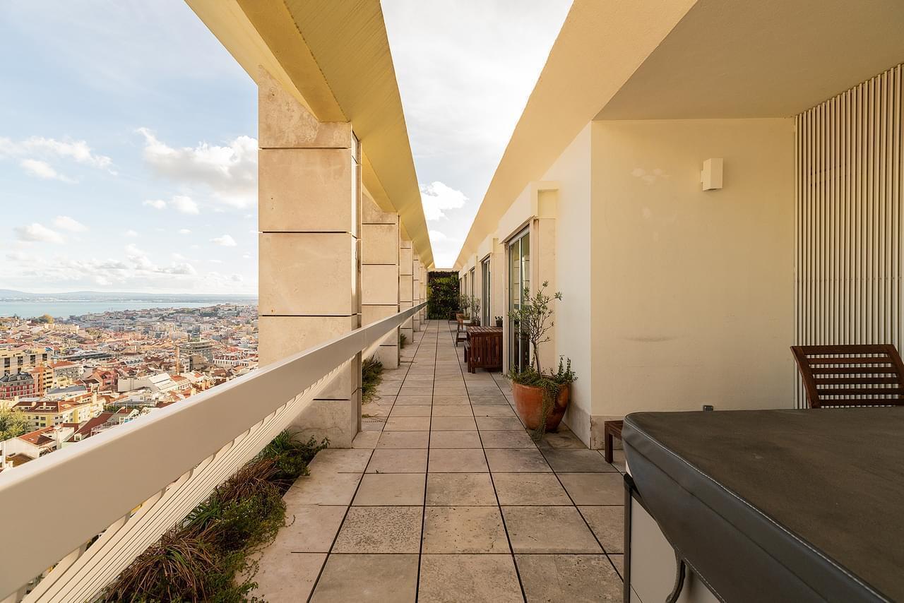 pf18167-apartamento-t3-lisboa-dd1a9fc8-19fd-4654-a256-e34328c019bf