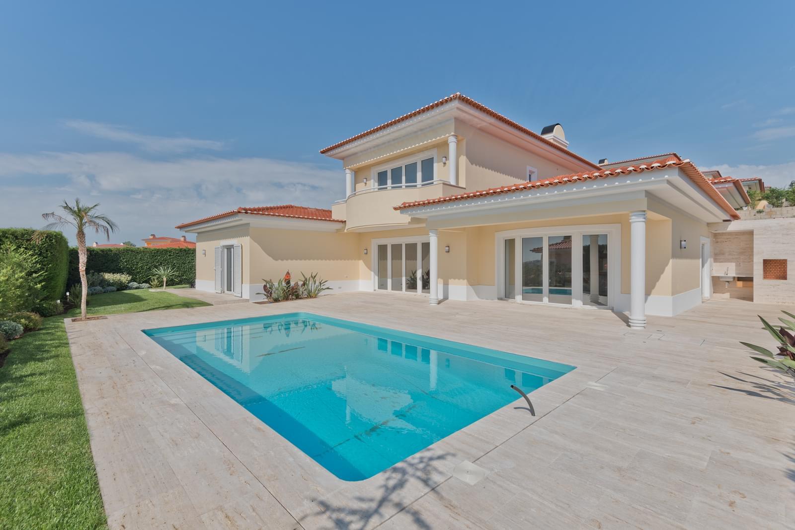 Moradia T4+1 com piscina