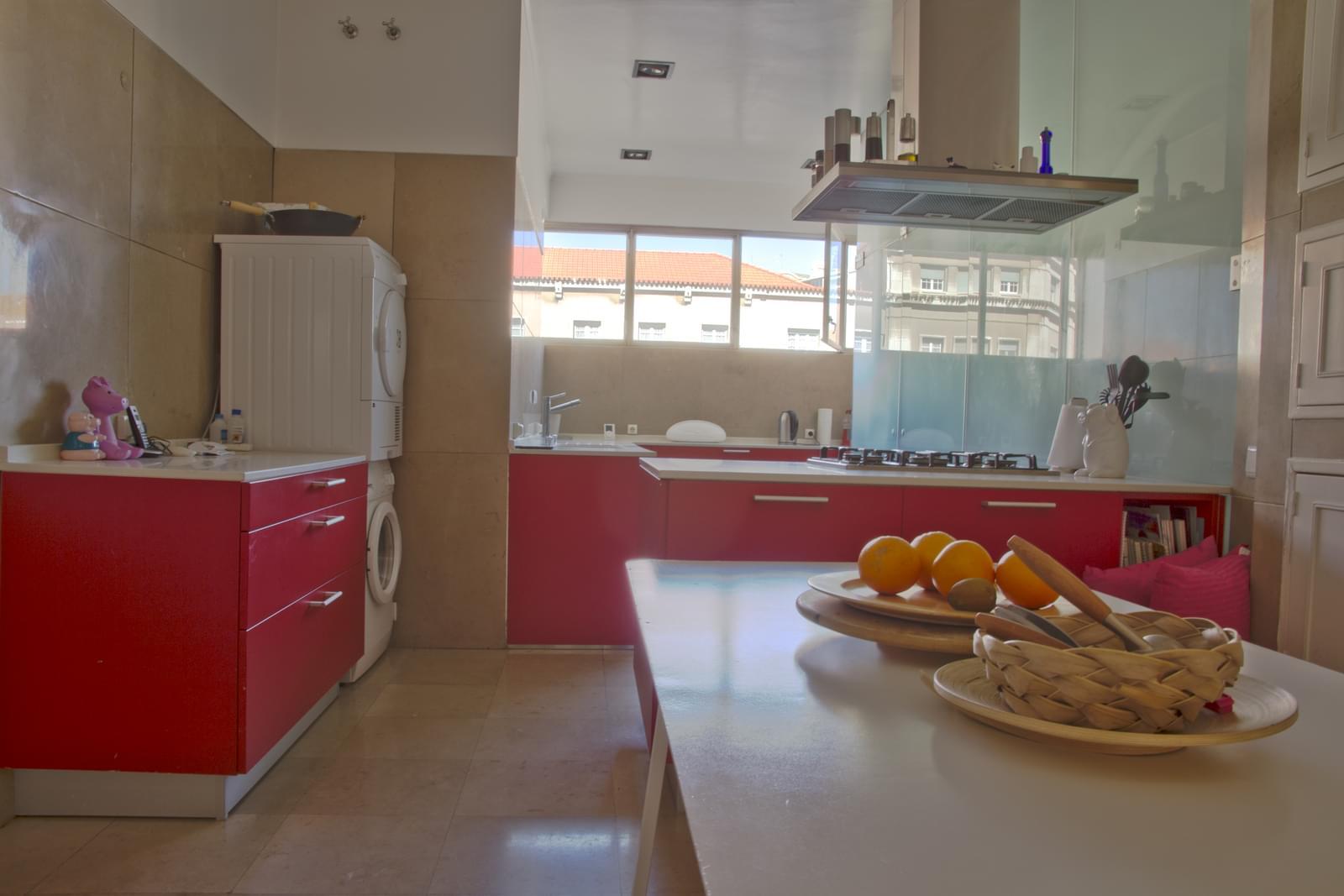 pf18175-apartamento-t5-lisboa-d0ca23ee-f0ad-4395-85be-e7147f607dda