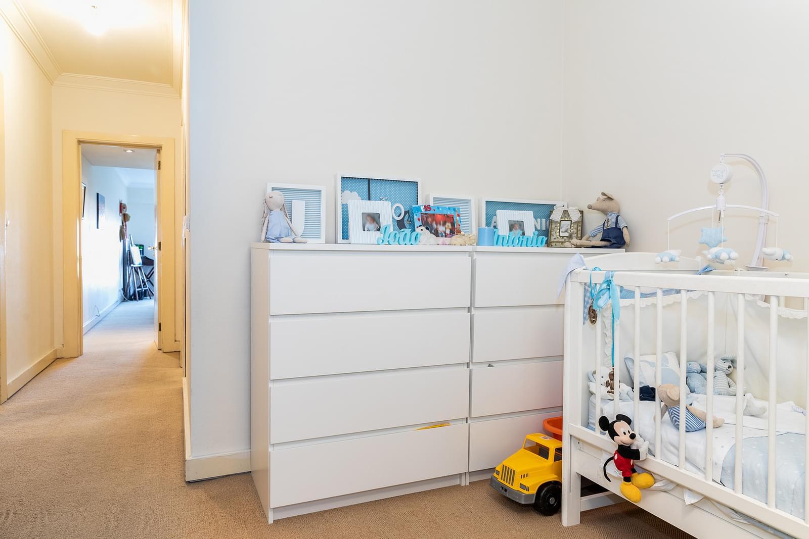 pf18210-apartamento-t4-lisboa-39a7e2ae-8ad3-41d0-b5ce-134517d24e6e