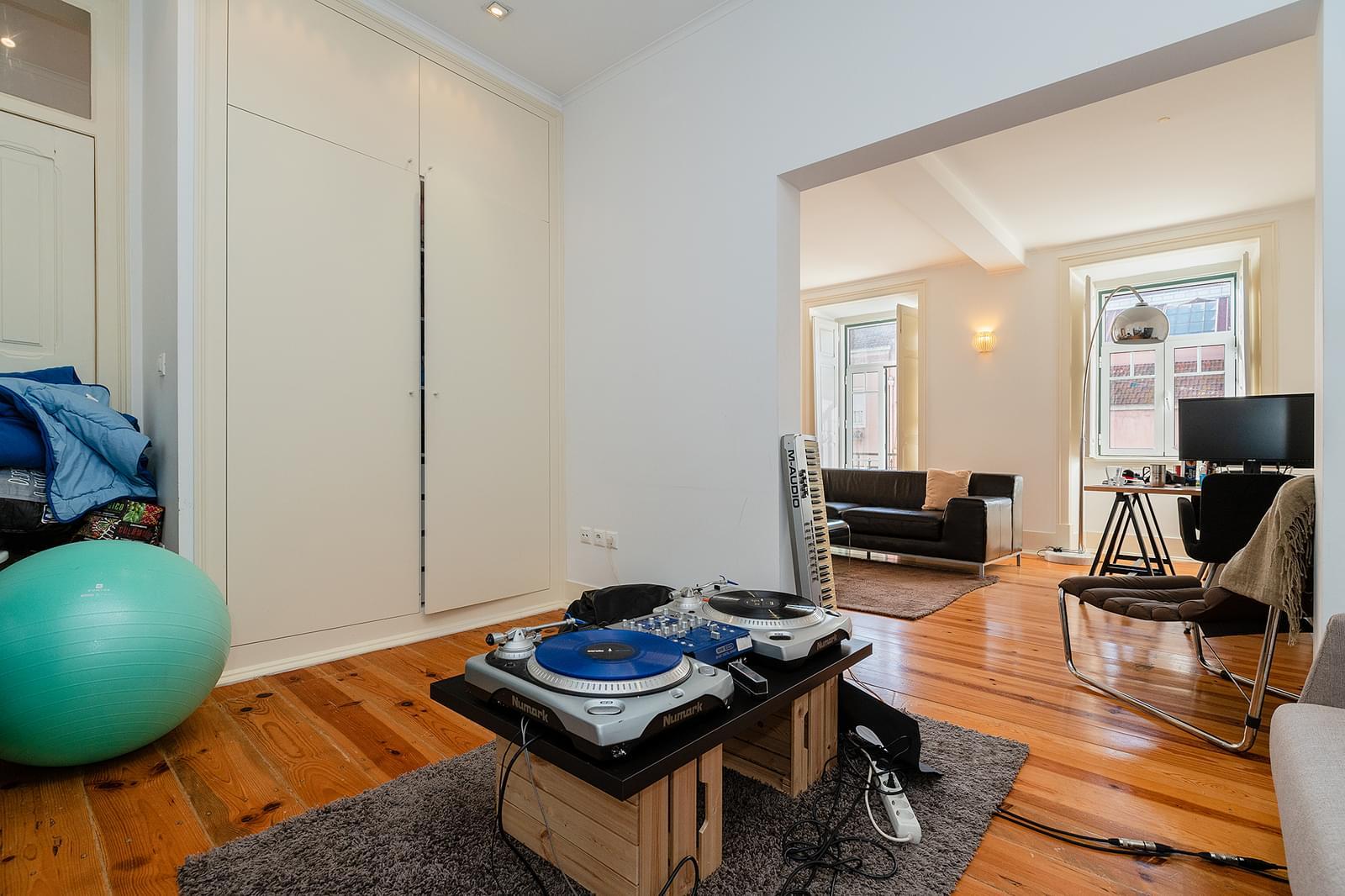 pf18211-apartamento-t2-1-lisboa-5fe75424-8ed6-4cfc-b51a-bf5641df01f8