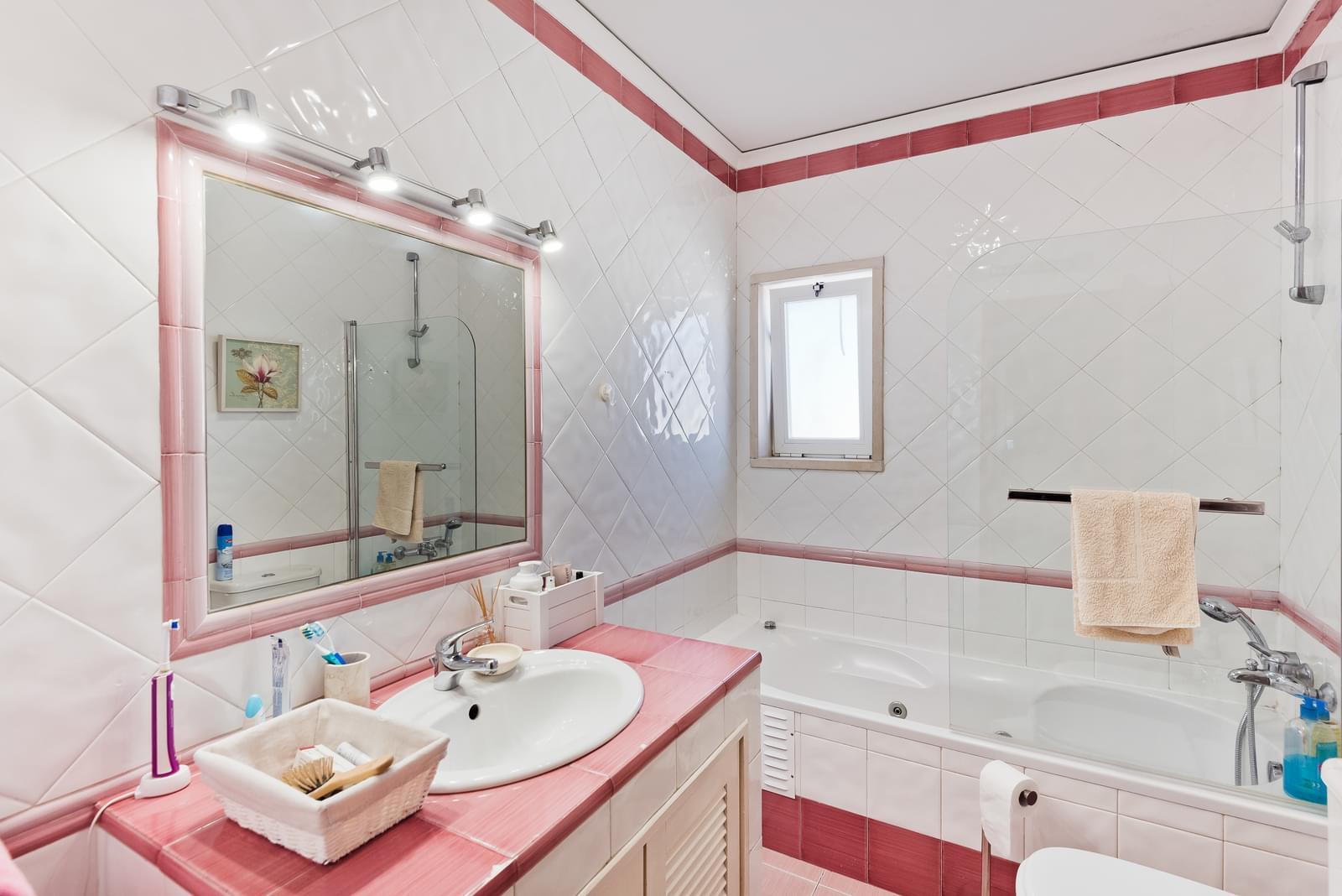 pf18286-apartamento-t2-cascais-06d0a1e2-b250-4903-952a-c208e3bf964d