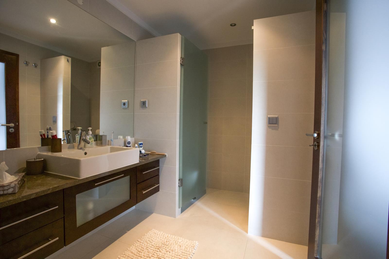 Apartamento T4+1 com piscina em condomínio fechado