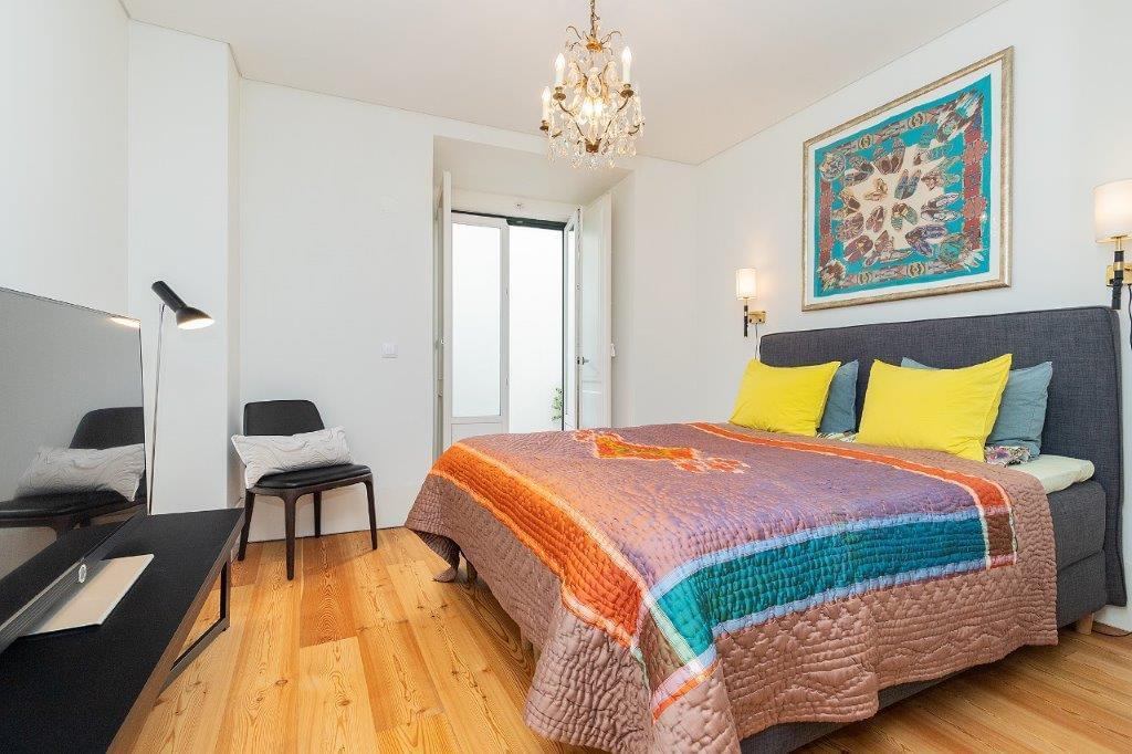 pf18364-apartamento-t5-lisboa-1673be37-0869-4fde-9ddb-1b6275f27c13