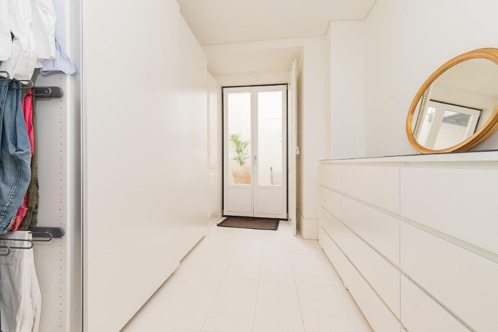 pf18364-apartamento-t5-lisboa-5b83b6ad-3340-475e-8f2b-715ed5bd77e2