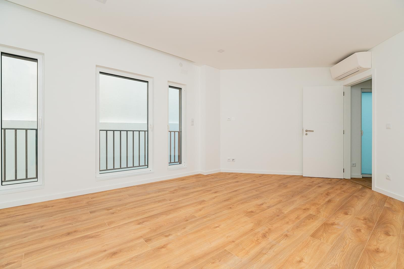 1 bedroom apartment with parking