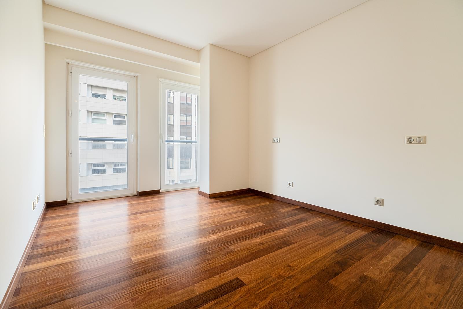 PF18533, Apartamento T4, LISBOA