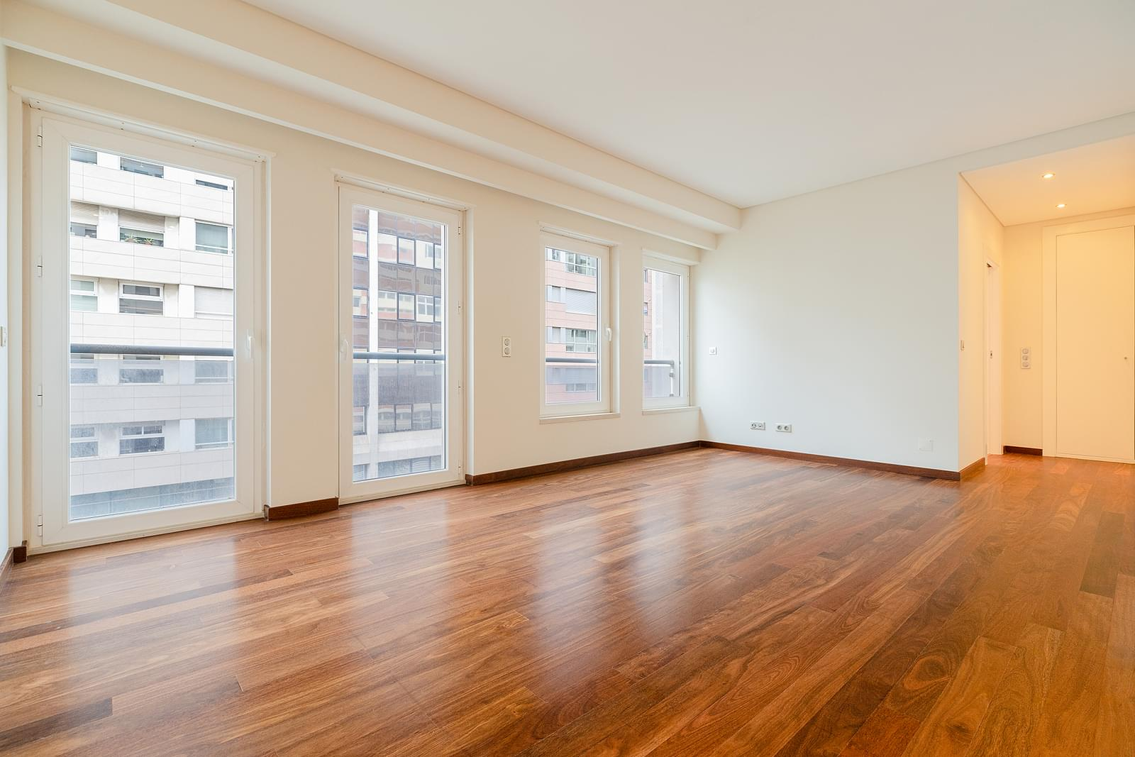 pf18533-apartamento-t4-lisboa-378fecf7-64a4-4a5c-ab2d-2926c188b7fa