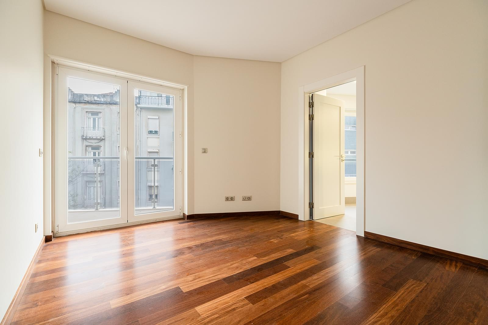 pf18533-apartamento-t4-lisboa-3ac4ac31-7e00-4d7b-81ac-1cb371dd2c91