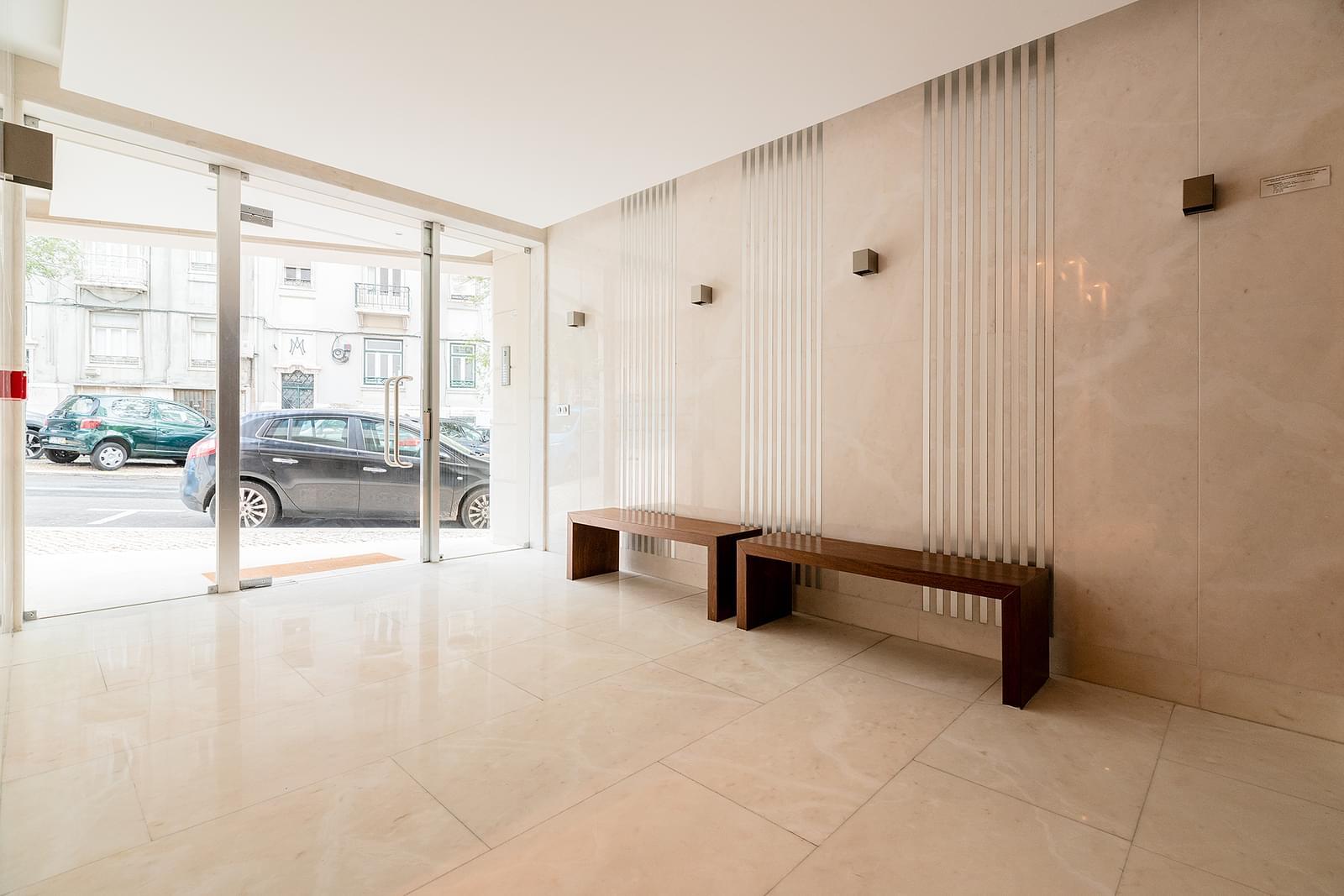 pf18533-apartamento-t4-lisboa-593eb6e3-5985-4fc5-9f7d-620c66715daf