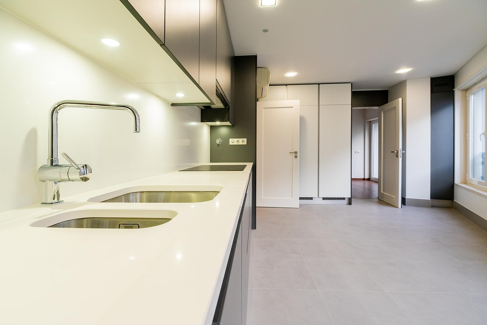pf18533-apartamento-t4-lisboa-e353c9ca-b14d-4f32-8a41-d9369ceb473a