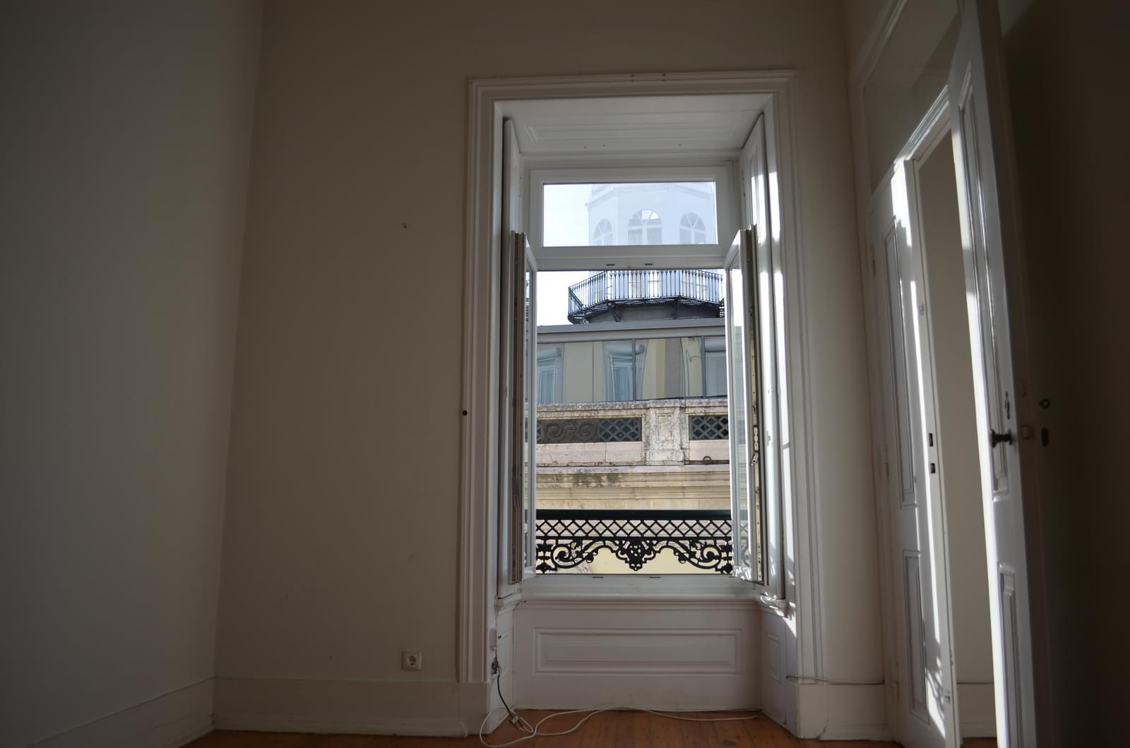 pf18621-apartamento-t4-lisboa-dfc40bea-9466-4355-bf68-794dcadee026