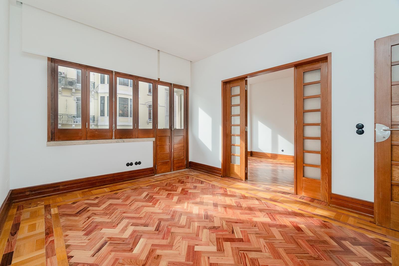 pf18665-apartamento-t3-2-lisboa-6390fd80-f5c2-46f7-9420-1c9ed6ca2256