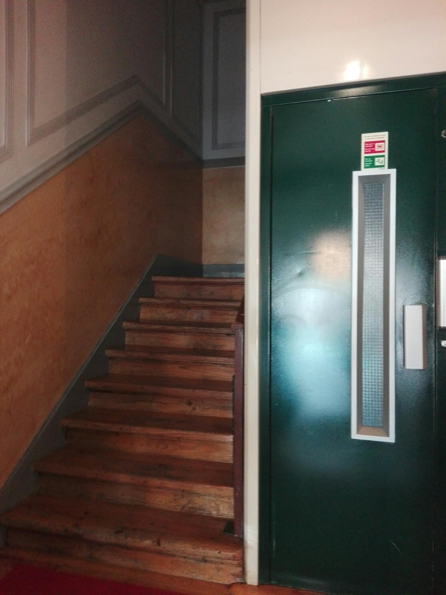 PF18688, Appartement T9, LISBOA