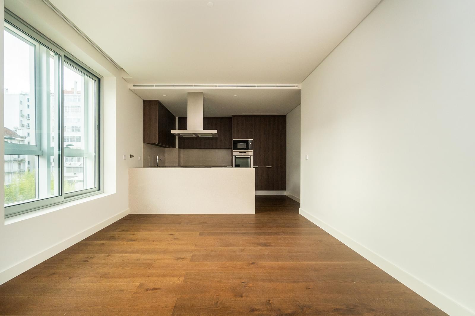 pf18694-apartamento-t3-lisboa-8f8fb8b6-d4e3-4ea8-b77e-a876d492edd7