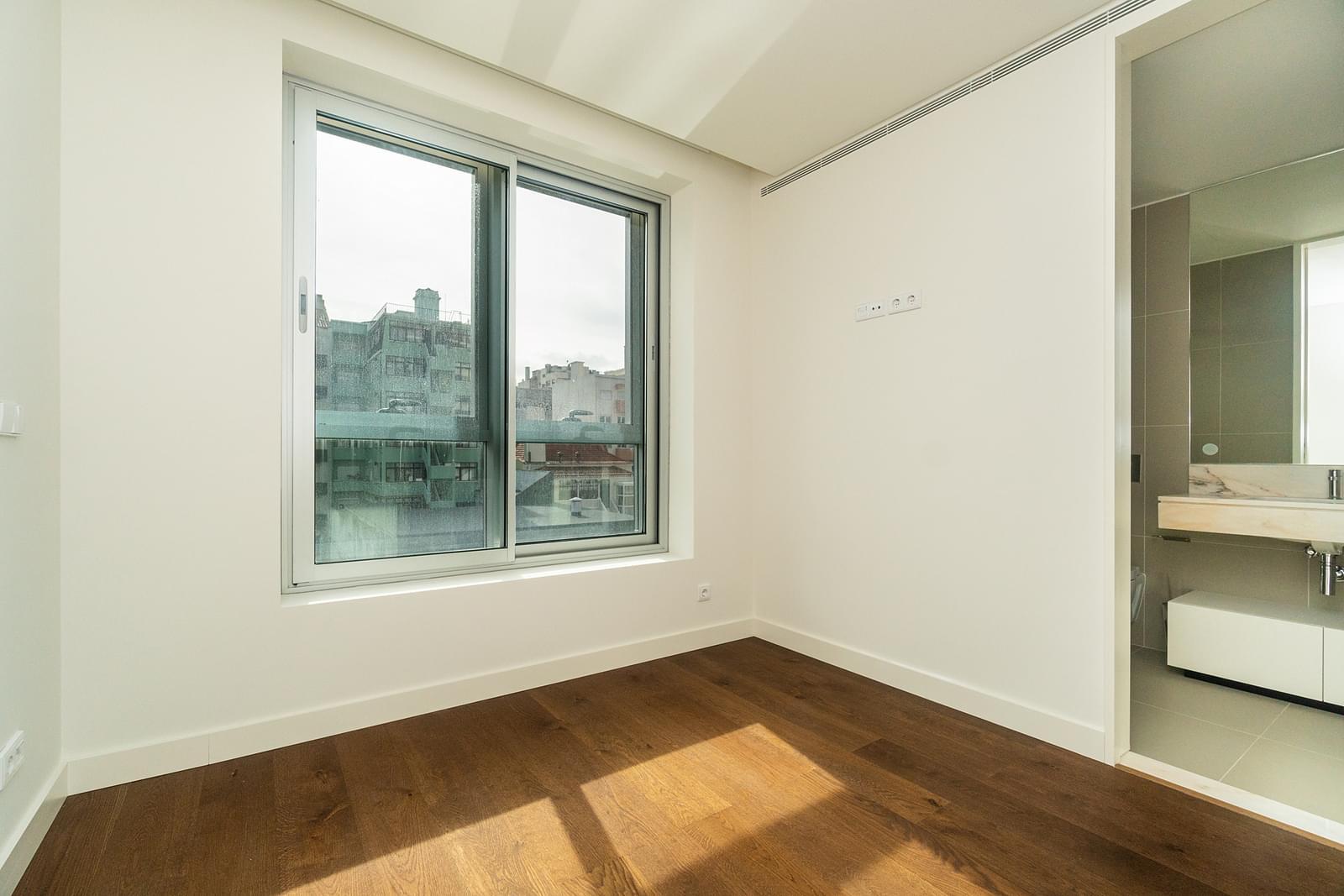 pf18694-apartamento-t3-lisboa-f972cd2d-7c7d-4861-95f8-bb0842c5cd66