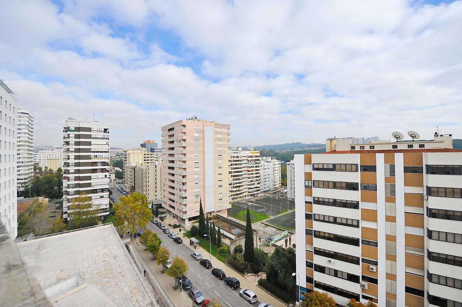 pf18728-apartamento-t5-oeiras-0c8fb96f-4deb-4e16-90b8-7e5306af5623