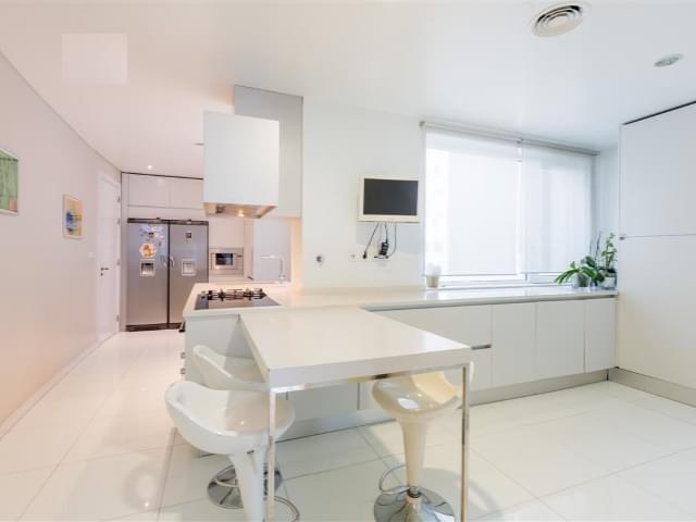 pf18758-apartamento-t6-lisboa-10a6a5f4-5ea8-4059-9d28-e70b87320f08