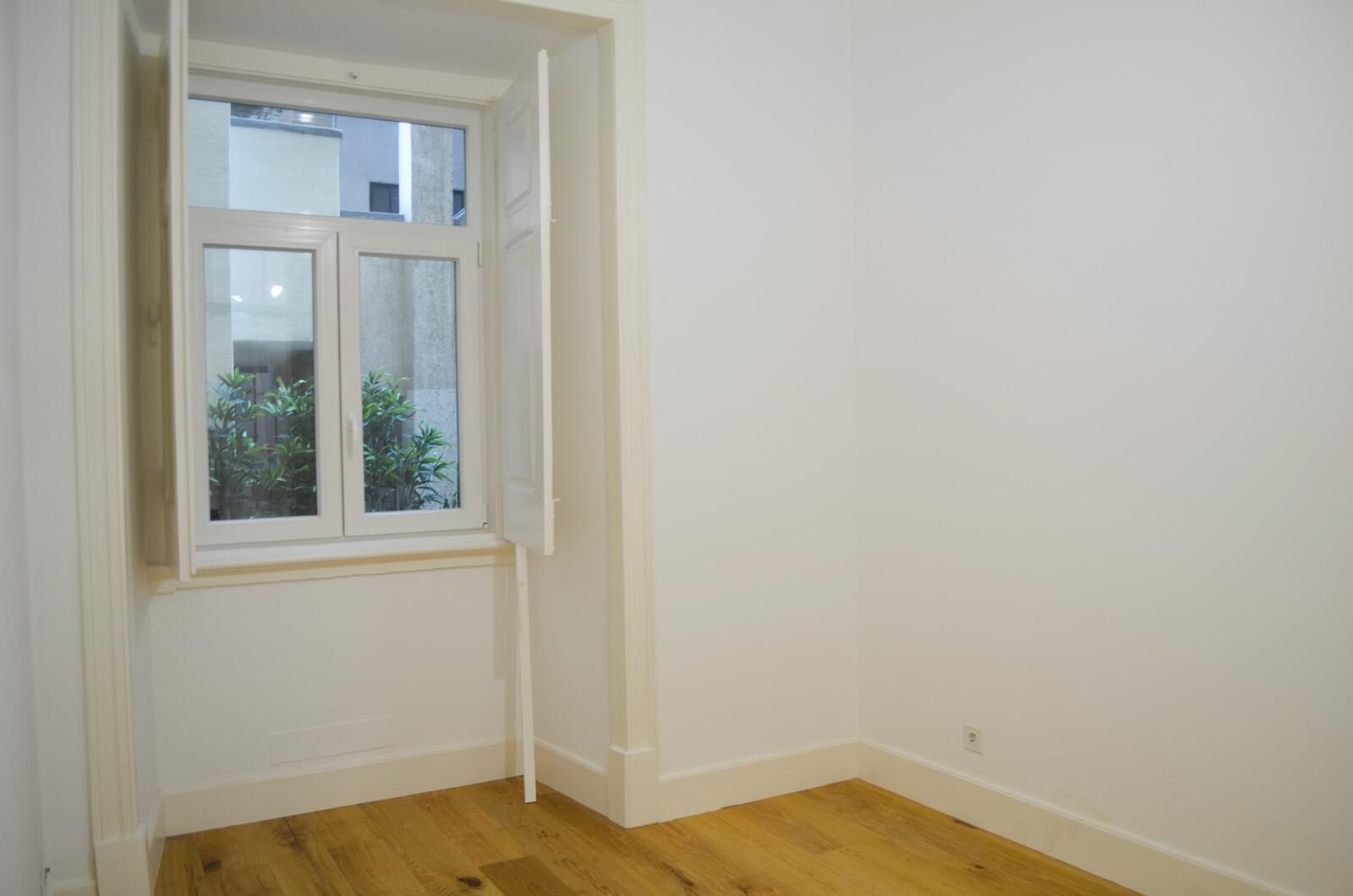 pf18801-apartamento-t2-lisboa-3957a9d0-b2a9-489e-af3a-3bf19ab4f7d4