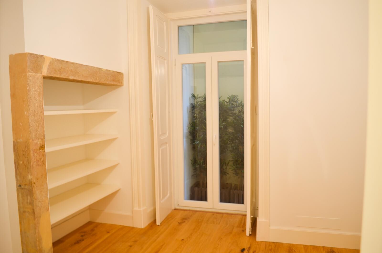 pf18801-apartamento-t2-lisboa-64846a96-b747-49dc-912d-ba3c76c1e768