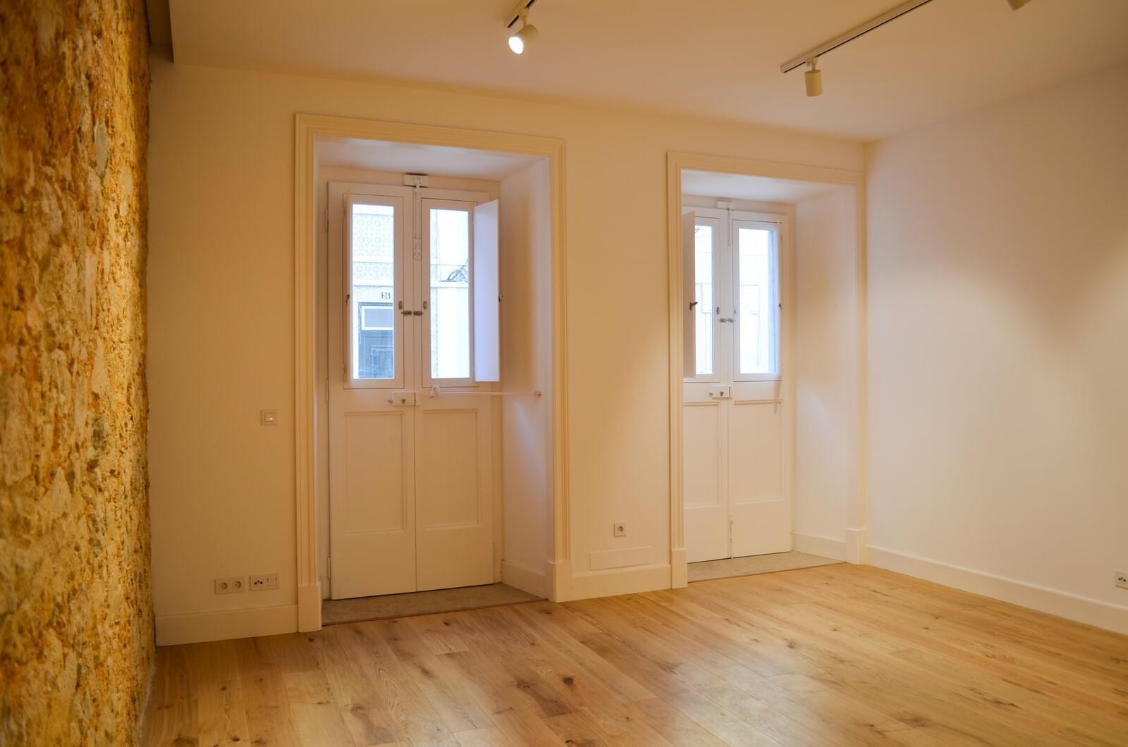pf18801-apartamento-t2-lisboa-cd61b818-4da5-44ec-98dc-dc727a852b64