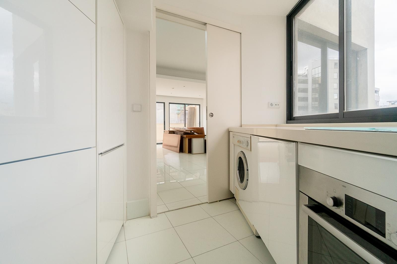 PF18838, Apartamento T3, LISBOA