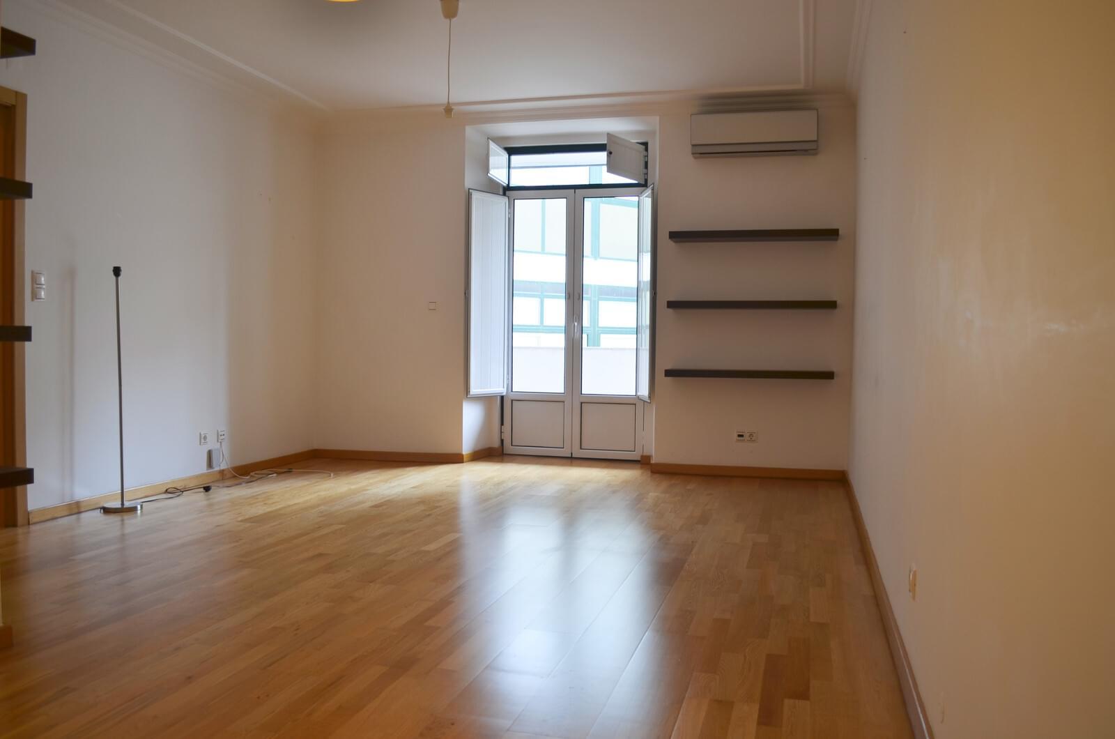 pf18839-apartamento-t2-lisboa-12697096-f1c1-487f-9629-d486e98f6126