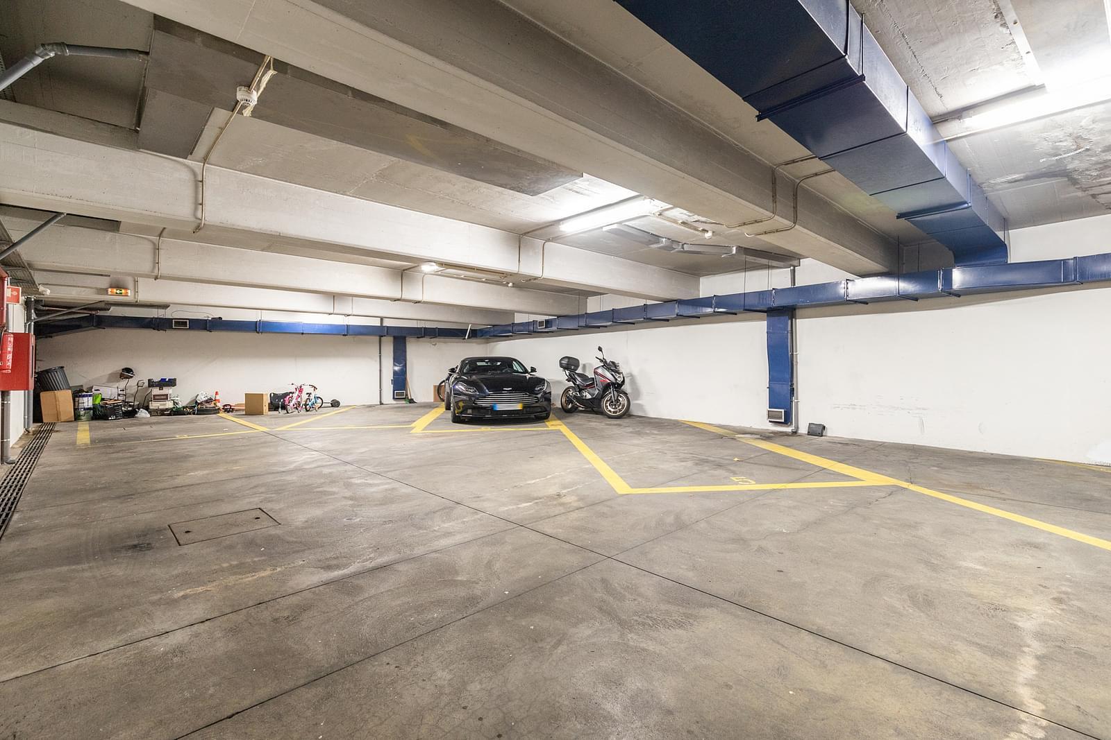 Apartamento T4+2 com estacionamento