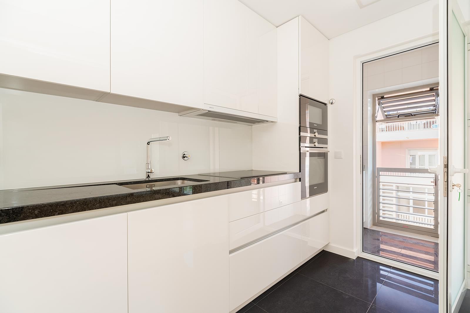 pf18846-apartamento-t2-lisboa-ff5f2b36-59b7-4b63-a074-800d22a08266