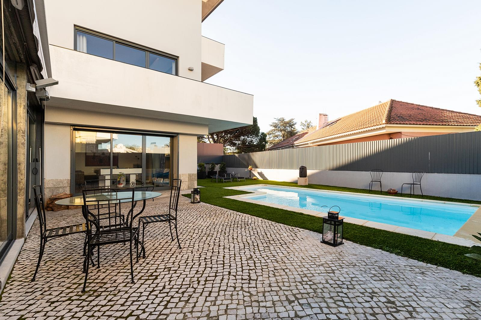 4 bedroom villa with a swimming pool