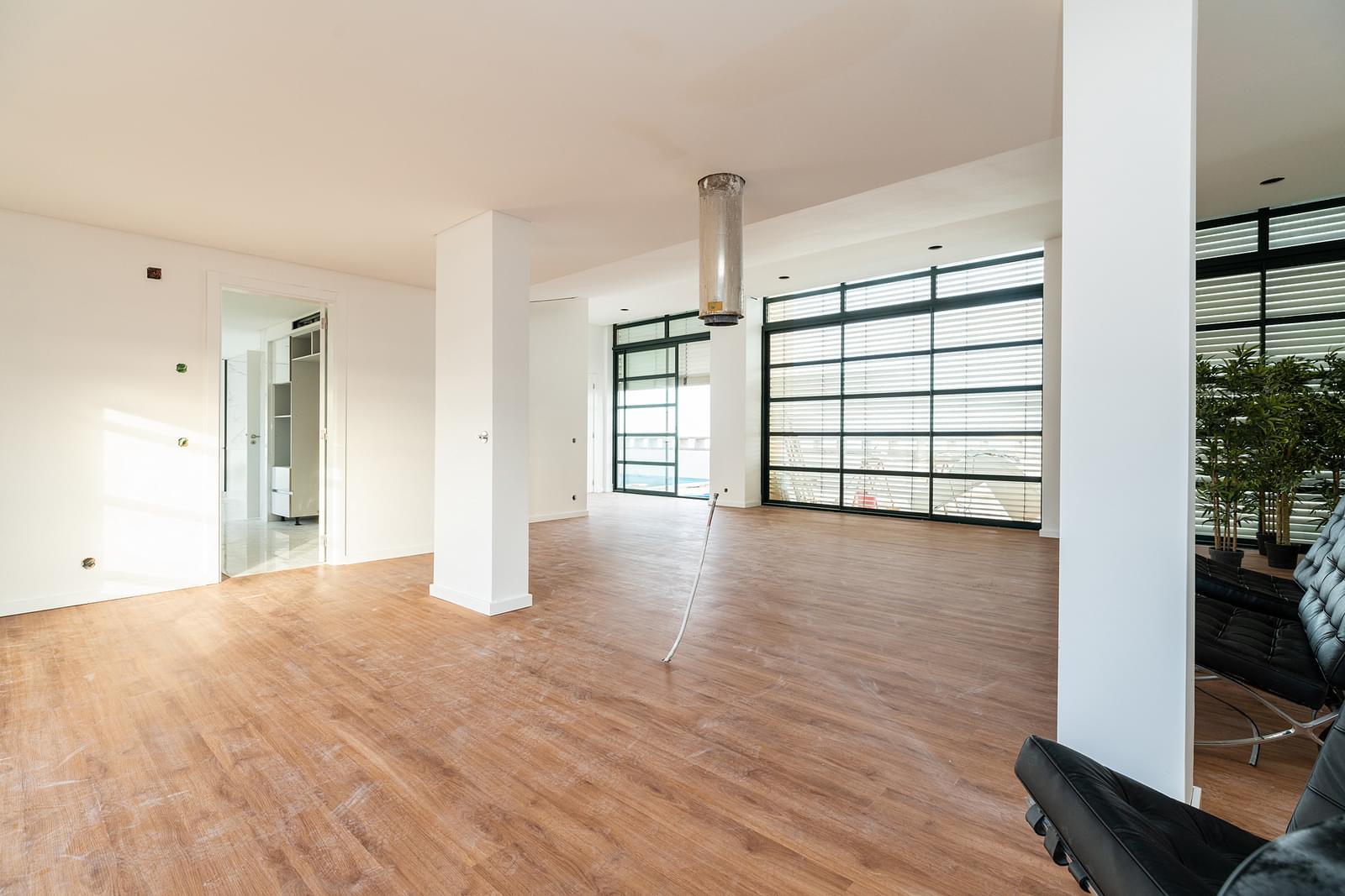 Apartamento T4 duplex com piscina