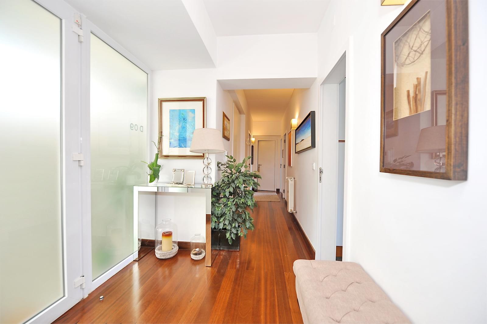 Appartement T2 avec parking dans un condominium fermé