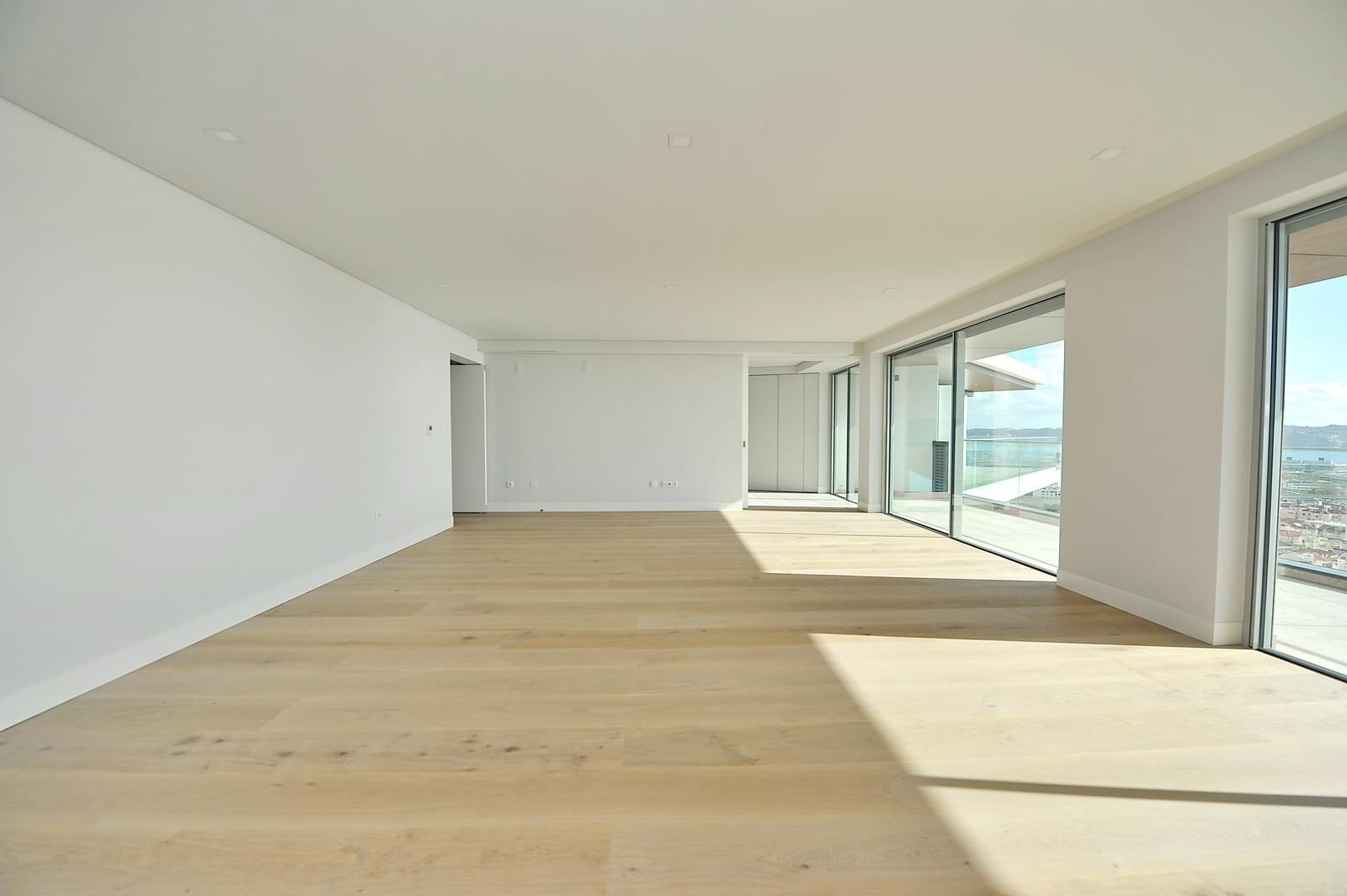 pf18989-apartamento-t4-oeiras-1836b428-0f3d-46b8-8488-0f4682178491
