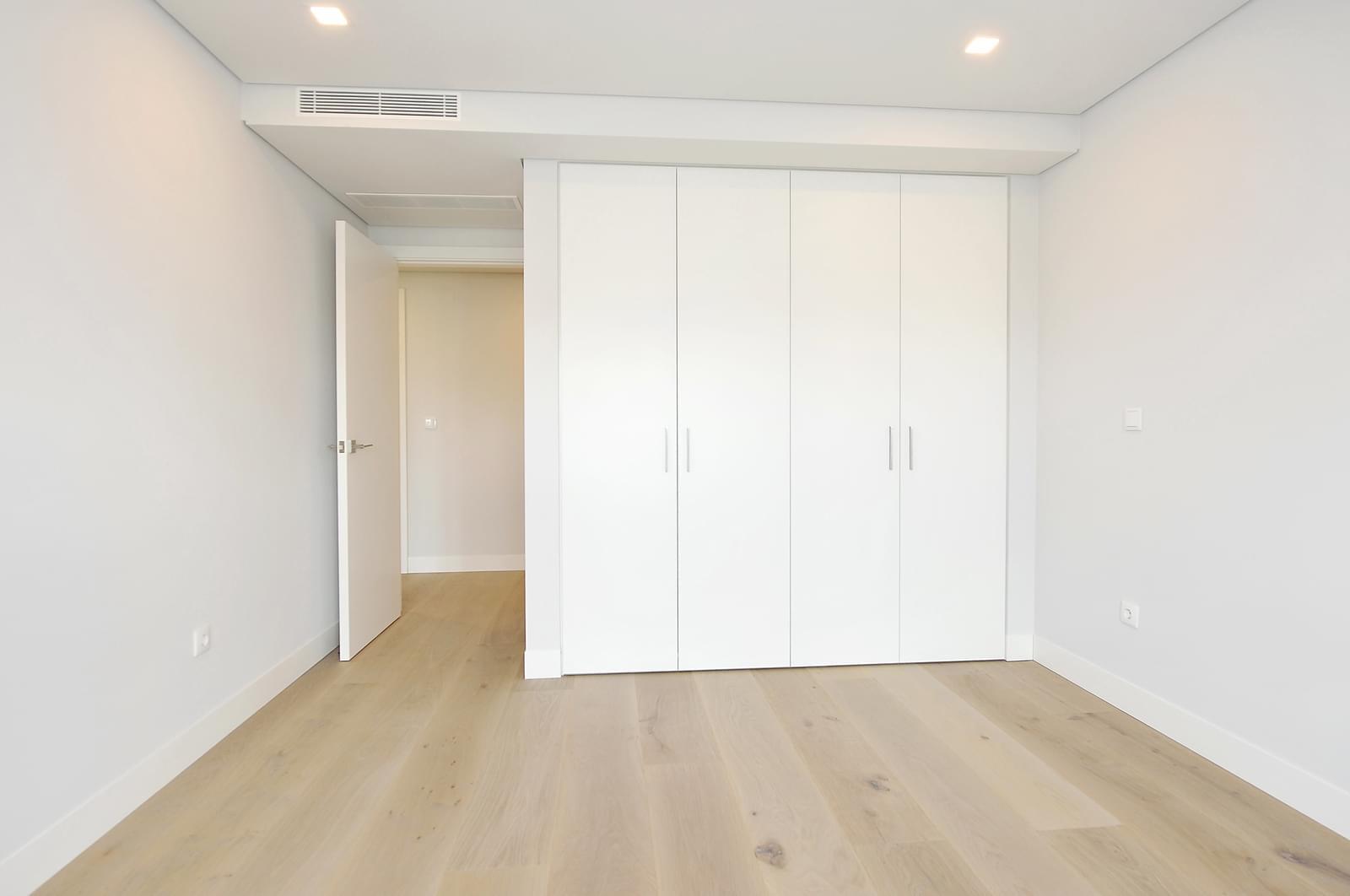 pf18989-apartamento-t4-oeiras-29e576bc-633b-48c8-9d24-198fcd914559