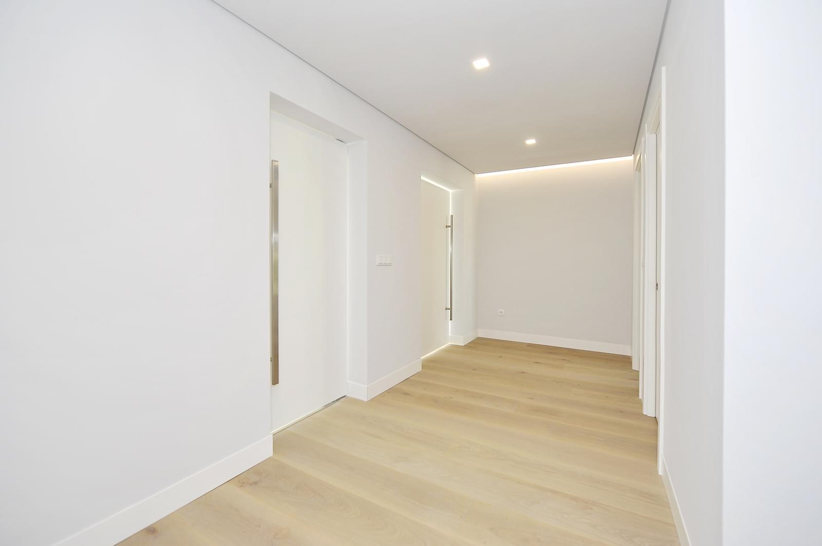 pf18989-apartamento-t4-oeiras-5af4a76d-e8de-4e4f-a2a9-4aa0730c429c