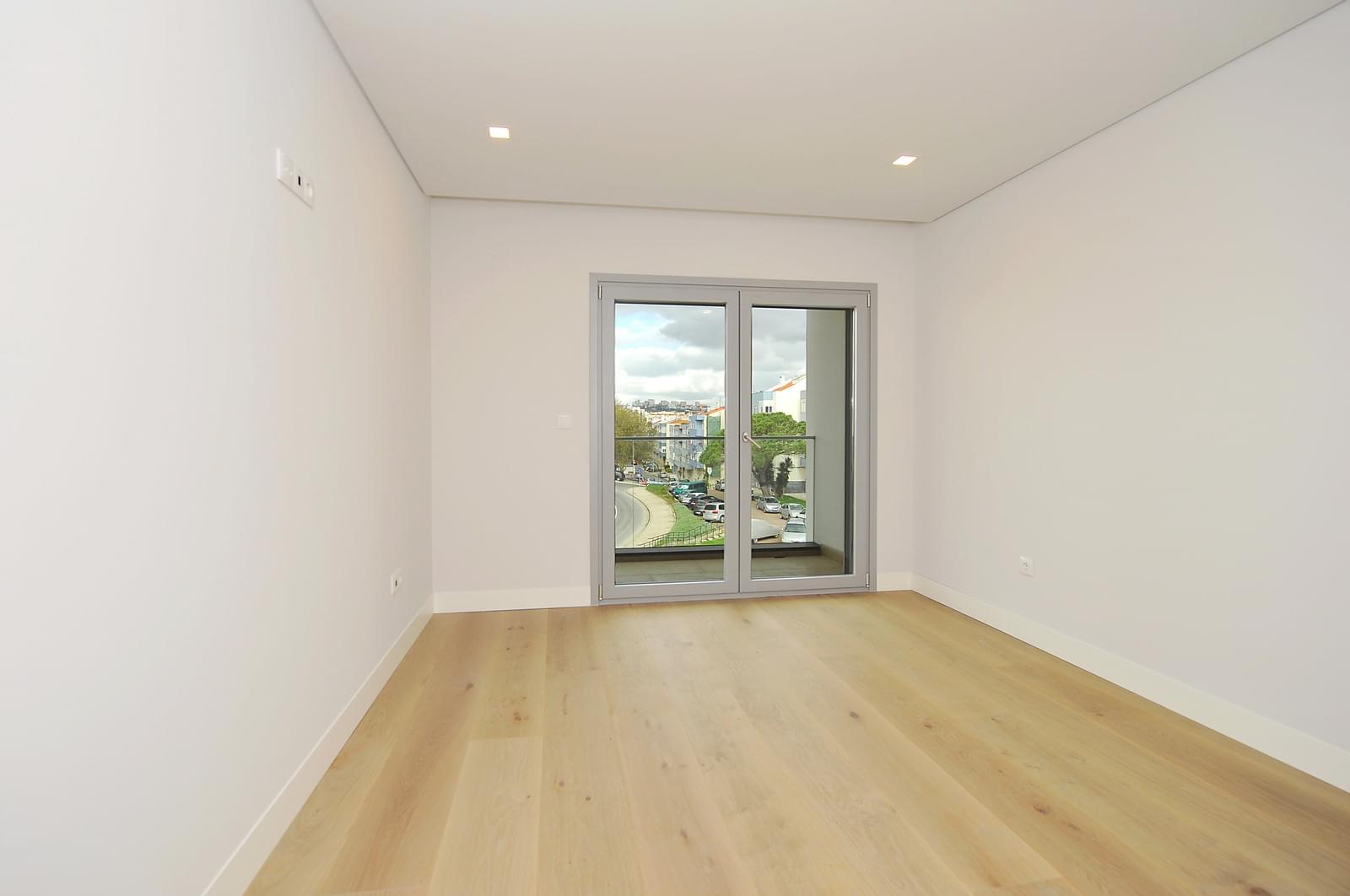 pf18989-apartamento-t4-oeiras-84cd79b0-70be-4ef0-95e7-617463da0833