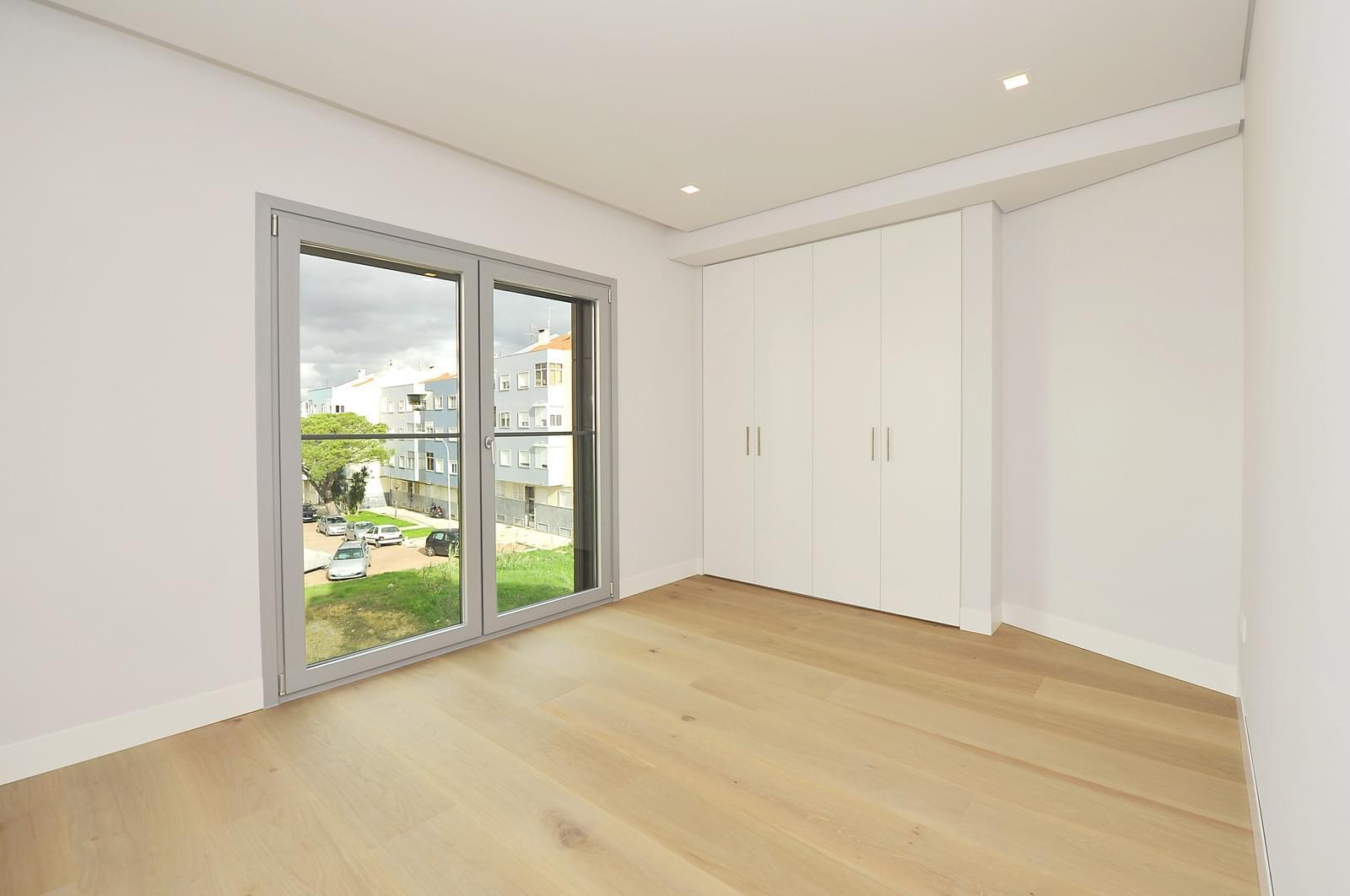 pf18989-apartamento-t4-oeiras-ce7f8aa7-6b38-41bf-8477-69f5542786d1