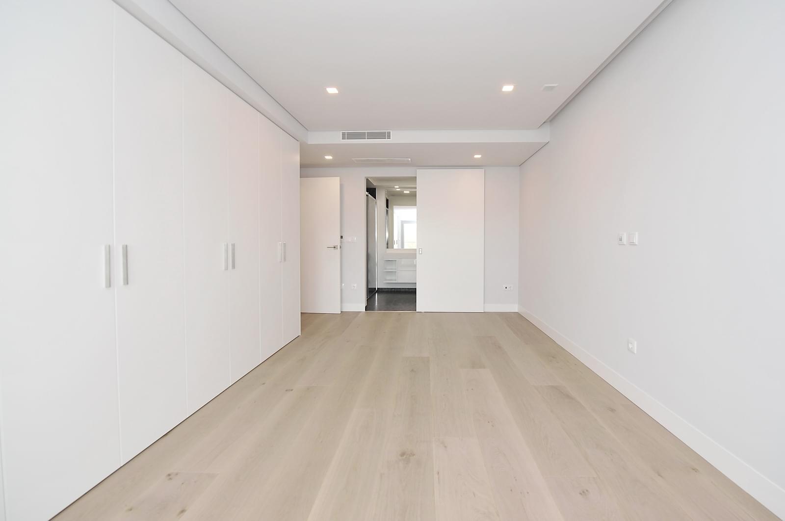 pf18989-apartamento-t4-oeiras-dc2a12b7-d38c-433d-89a8-cede7dafe415