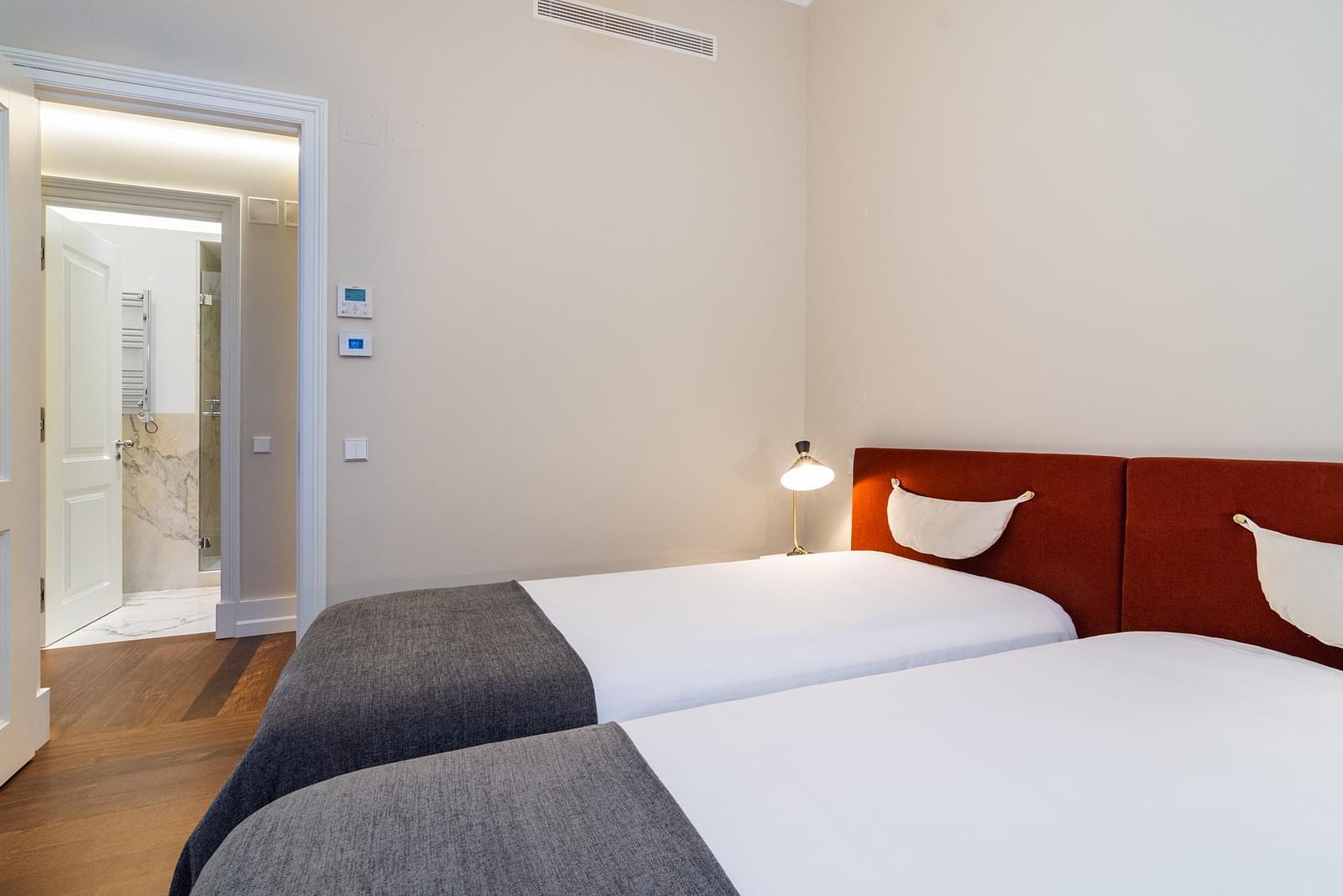 pf19003-apartamento-t2-lisboa-7613e70f-5e8e-43eb-a408-762036518b03