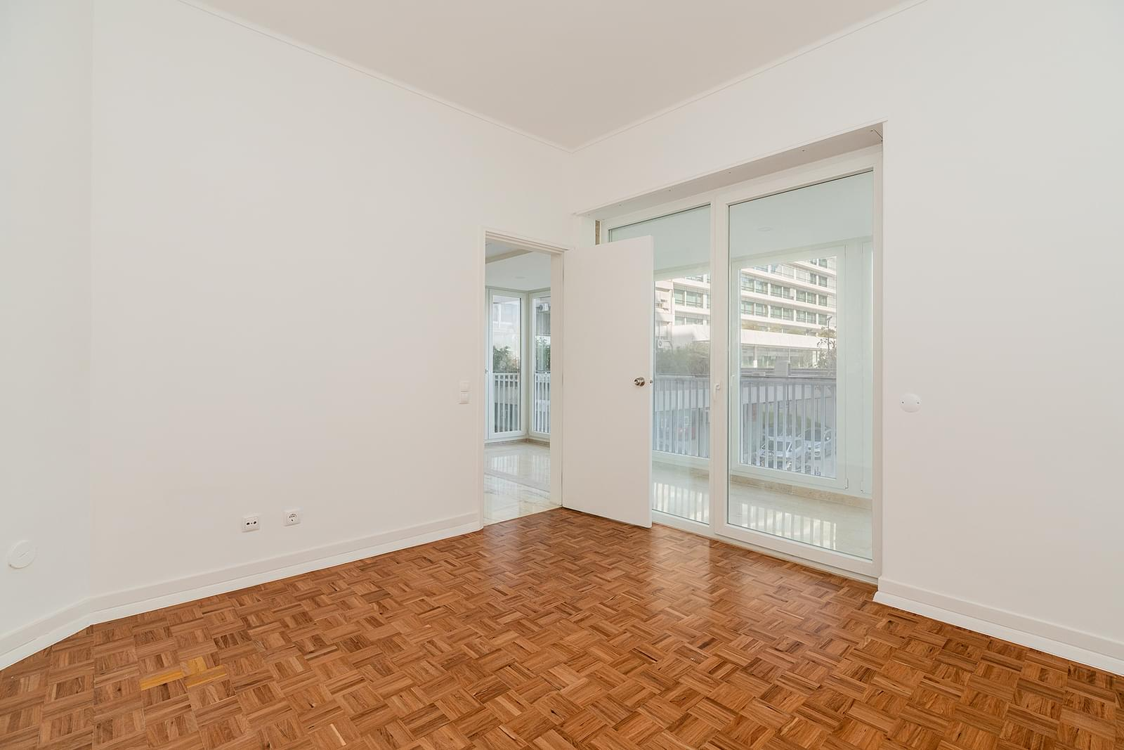 4 bedroom apartment refurbished