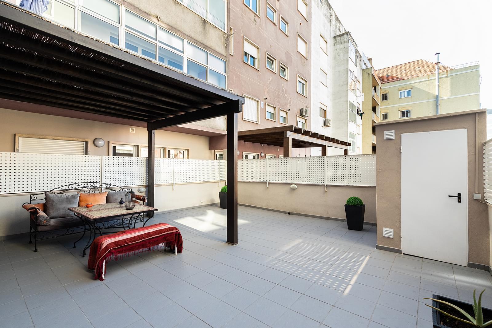 Apartamento T4+1 com estacionamento