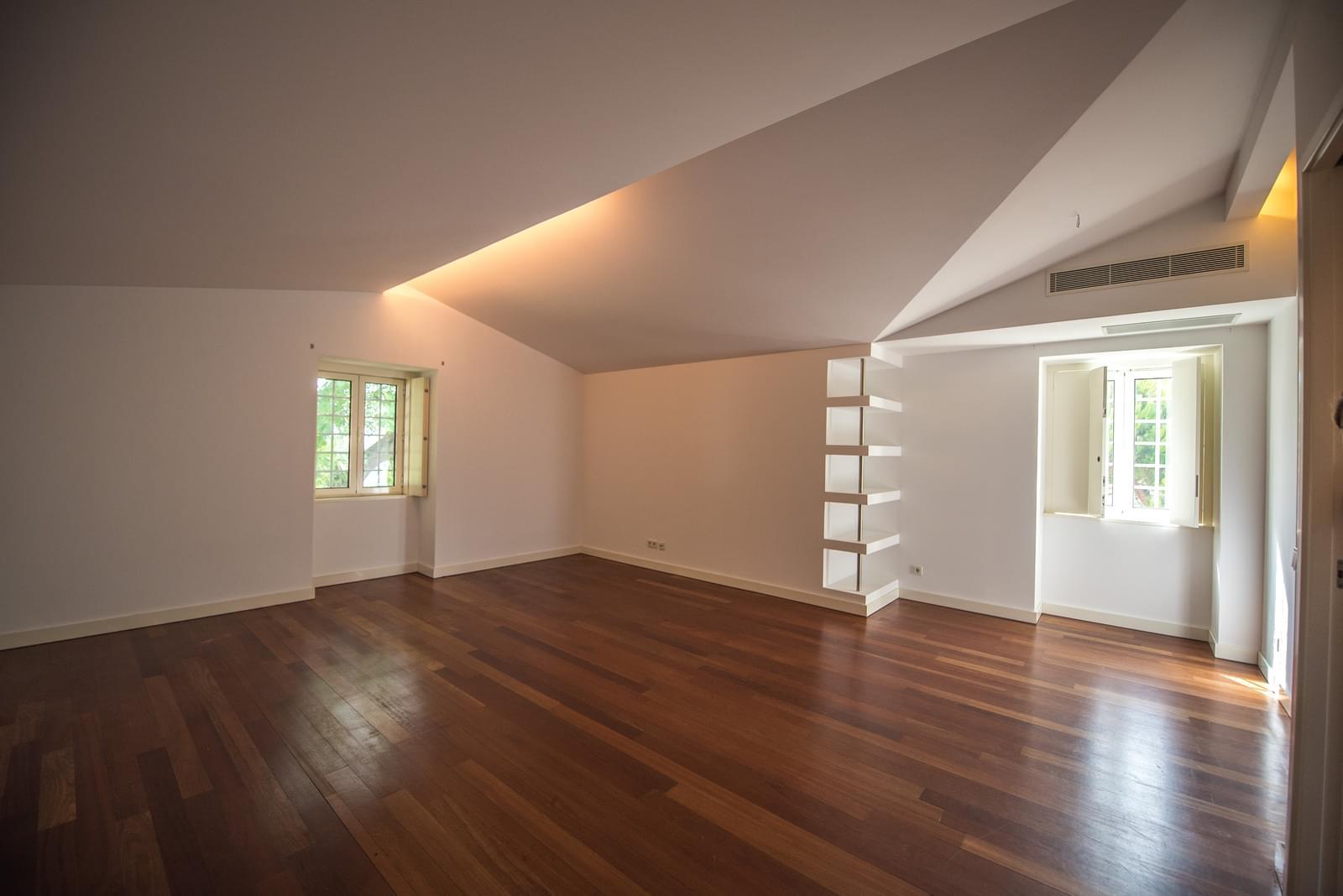 pf19211-apartamento-t4-lisboa-0e0ac135-ce48-45a9-8c22-819b61167d75