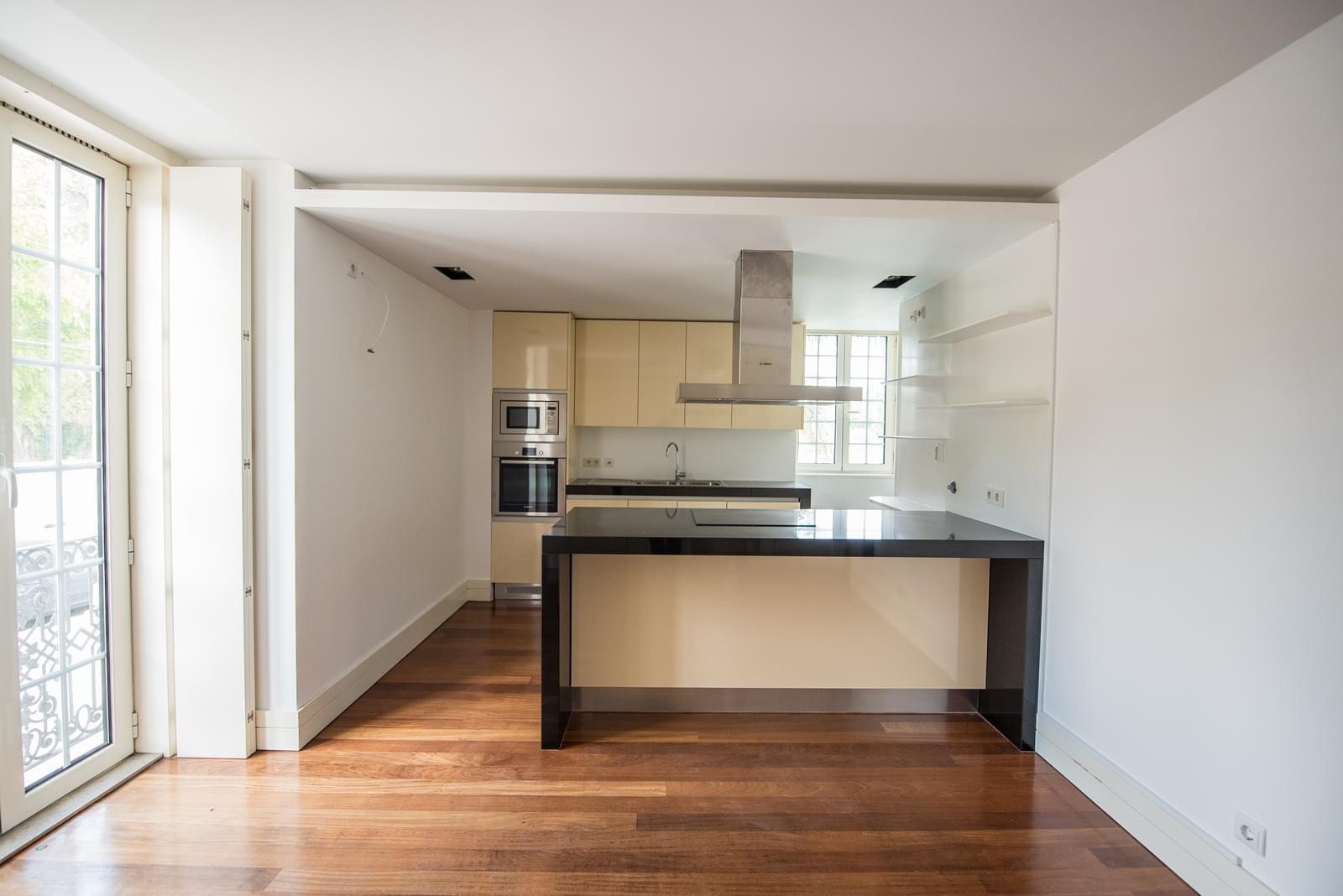 pf19211-apartamento-t4-lisboa-2cf06da8-05ab-40d4-be2d-b220a4f6597d